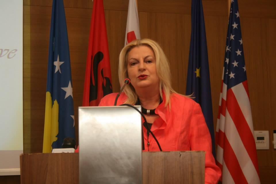 Edita Tahiri -I papranueshëm diskutimi për shkëmbim territoresh dhe ndryshimin kufinjsh mes Kosovës dhe Serbisë.
