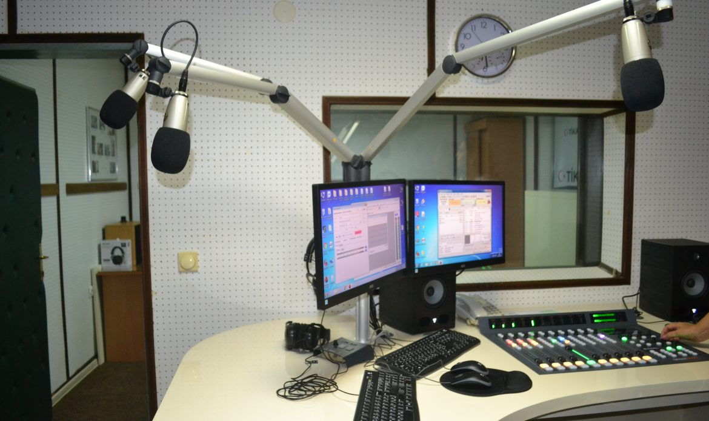 13 shkurti – Dita Botërore e Radios