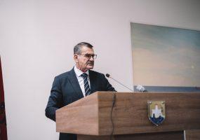 Fjalimi i Kryetarit të Komunës në Kuvend për viktimat e pandemisë së koronavirusit në Ulqin